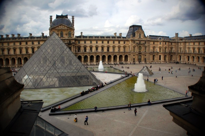 eye-en-louvre-700
